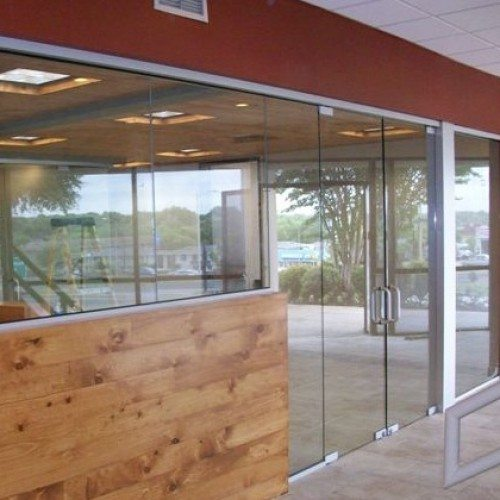 Butt Glazed Heavy Glass Wall and Doors | Entrances Gallery | Commercial Products | Anchor-Ventana Glass
