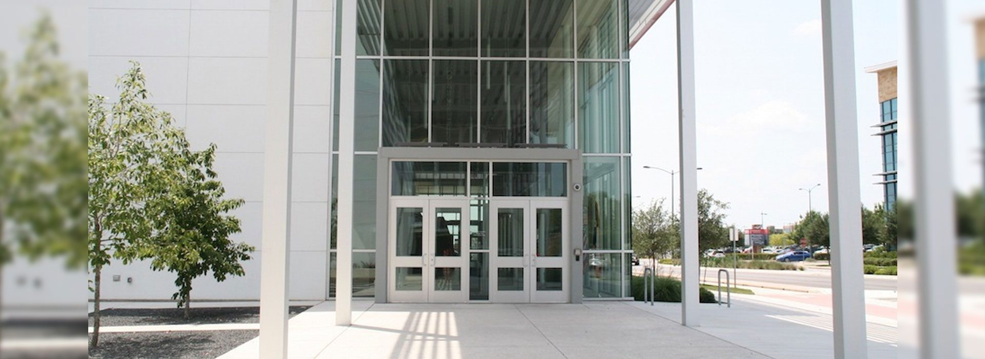 Entrances | Commercial Products | Anchor-Ventana Glass