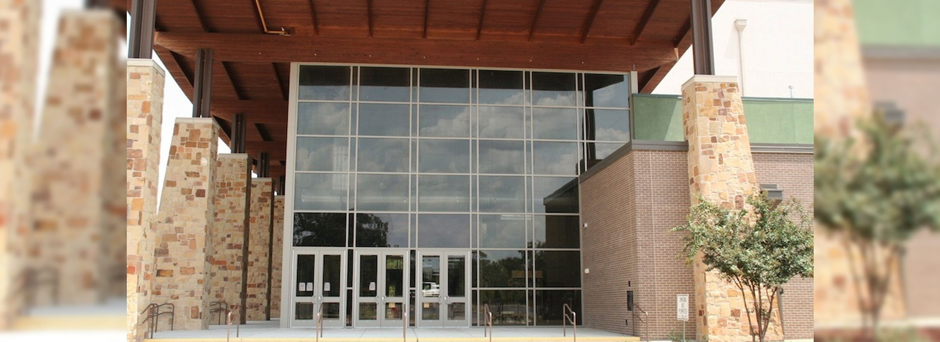 Commercial Storefronts | Commercial Products | Anchor-Ventana Glass