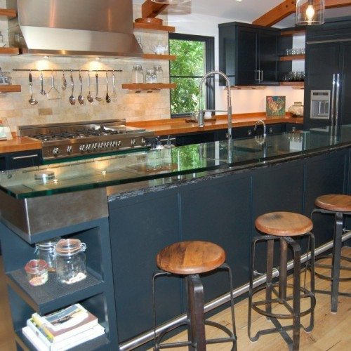 Glass Counter Top Set with Metal Caps at Kitchen Bar | Glass Countertops / Table Tops Gallery | Residential Products | Anchor-Ventana Glass