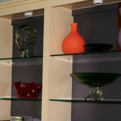 Clear Glass Shelves in Living Room | Cabinet Glass & Shelves Gallery | Residential Products | Anchor-Ventana Glass