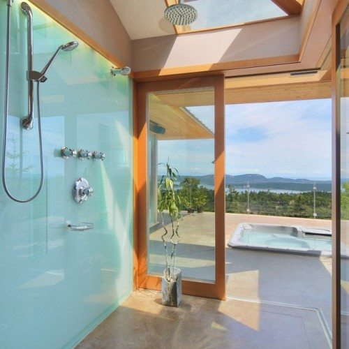 Back Painted Glass Wall in Outdoor Shower | Colored Glass Gallery | Residential Products | Anchor-Ventana Glass
