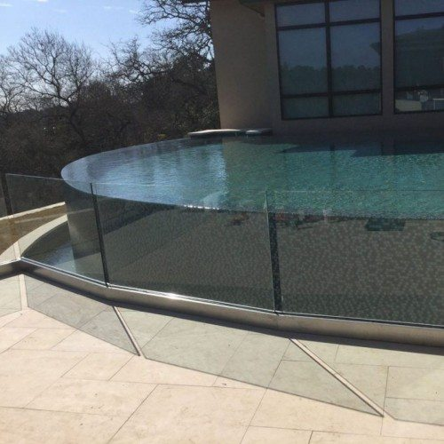 Exterior Glass Handrail System on Patio Deck | Glass Handrail Systems | Residential Gallery | Anchor-Ventana Glass