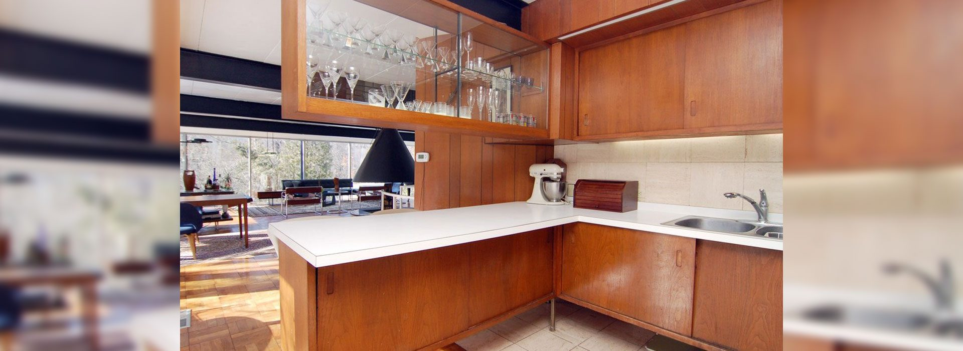 Cabinet Glass & Shelves | Residential Glass Products | Anchor-Ventana Glass Company