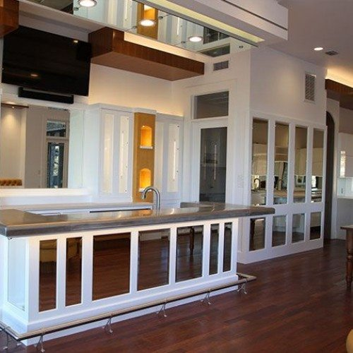 Frameless Mirrors used in Kitchen Island & Wall | Mirrors Gallery | Anchor-Ventana Glass