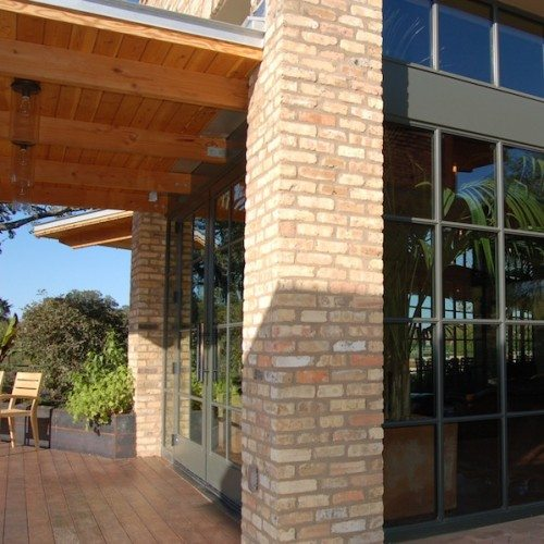 Corner View of Exterior Storefront & Curtain Wall System | El Monumento Restaurant | Commercial Projects | Anchor-Ventana