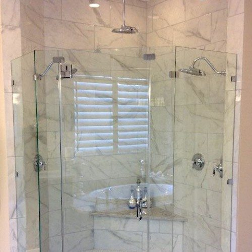 Curved Frameless Shower with Clamps | Shower Gallery | Anchor-Ventana Glass