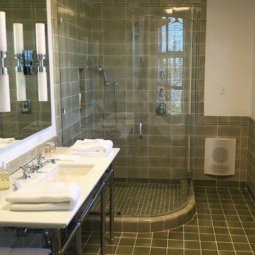 Curved Frameless Shower | Shower Gallery | Anchor-Ventana Glass