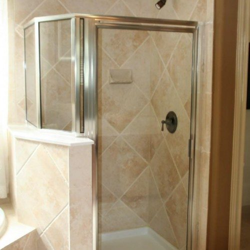 Framed Shower Door in Bathroom | Shower Gallery | Anchor-Ventana Glass